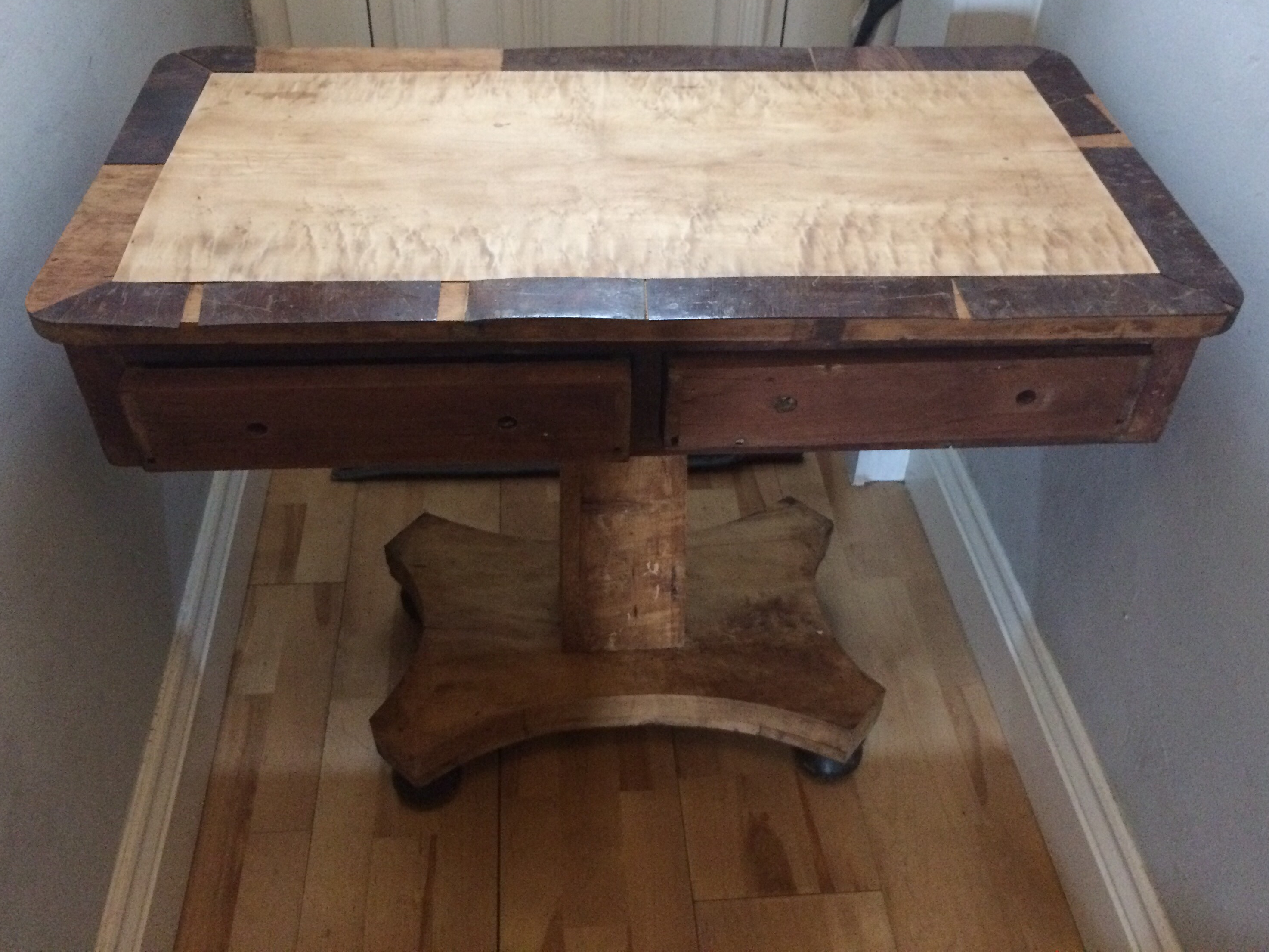 Regency Card Table in Quilted Maple & Rosewood